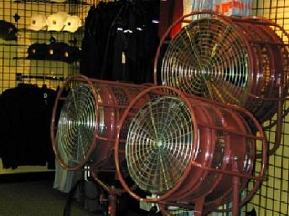 "18"" Mole Richardson Fan Daily Rental"